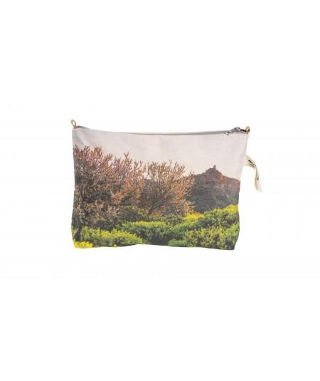 Pouch Almendros en Flor en el Roque Nublo