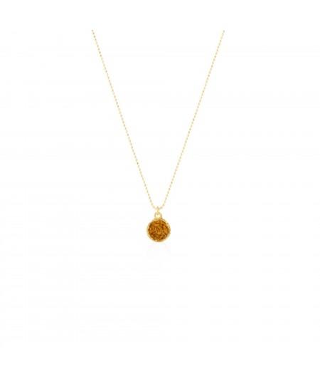 Gargantilla oro colgante redondo Sand con nácar color mostaza