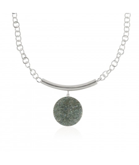 Collar de plata con colgante de nácar gris Medusa