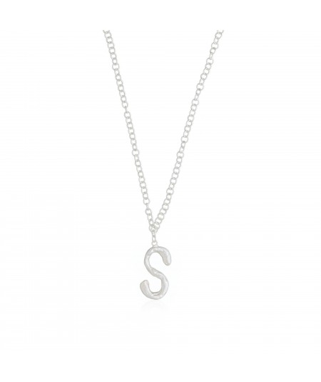 Collar plata letra S