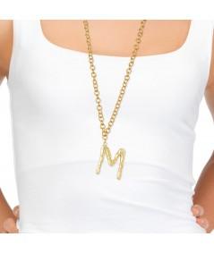 Collar con colgante letra M oro